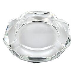 Doutníkový popelník křišťál Octagon 18cm, 4D-Masivní skleněný doutníkový popelník na 4 doutníky. Čirý křišťálový popelník ve tvaru octagonu je precizně vyrobený z kvalitního skla. Popelník na doutníky je zdobený fazetami. Popelník je dodávaný v dárkové kazetě. Rozměry popelníku: 18,2x18,2x3cm.