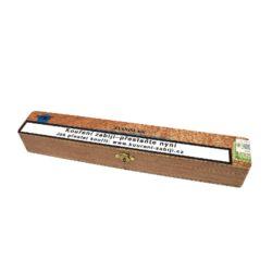 Doutník Stanislaw Jumbo, 1ks-Doutník Stanislaw Jumbo. Doutník je balený v dřevěné krabičce po 1 ks. Délka 245mm, průměr 24mm.  Krycí list: USA/Connecticut Vázací list: Dominikánská republika Náplň: Dominikánská republika