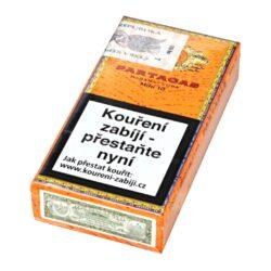 Doutníky Partagas Mini, 10ks-Kubánské doutníky Partagas Mini. Malé doutníčky příjemné tabákové vůně, to jsou suché doutníky Partagas Mini. Intenzivní, bohaté a zemité aroma ocení nejen znalec, ale i příležitostný kuřák. Strojově balené doutníky jsou vyráběné z kvalitních kubánských tabáků, takže kvalita je zaručena jako u jiných doutníků této značky. Ideální doutník pro krátké pokouření s přáteli u dobrého drinku. Doba hoření je cca 15-20 minut. Doutníky jsou balené po 10 ks v kartonové krabičce a prodávají se pouze po celém balení.  Délka: 82 mm Průměr: 0,8 mm Velikost prstýnku: 20 Tvar/velikost doutníku: Cigarillos Typ doutníku dle skladování: doutník suchý  Původ doutníku: Kuba Krycí list: Kuba Natural (Vuelta Abajo) Vázací list: Kuba Natural (Vuelta Abajo) Náplň: Kuba natural Síla tabáku: medium