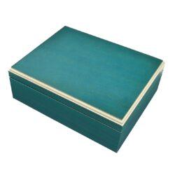 Humidor na doutníky Color 25D, stolní-Stolní humidor na doutníky s kapacitou cca 25 doutníků. Dodáván pouze se zvlhčovačem. Vnitřek humidoru je vyložený cedrovým dřevem. Rozměr: 25x19x7 cm.