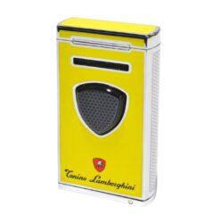 Doutníkový zapalovač Lamborghini Pergusa, žlutý-Luxusní doutníkový zapalovač Tonino Lamborghini Pergusa s kombinací dvou typů plamenů. Kvalitně zpracovaný tryskový zapalovač na zapalování doutníků obsahuje na spodní straně integrovaný vyštípávač, nastavení intenzity plamene a ventil pro plnění zapalovače. Po stisknutí čelního tlačítka se současně zapálí normální a turbo plamen. Na zadní straně najdete okénko, kde je možné vidět hladinu plynu v zapalovači. Doutníkový zapalovač je dodáván v kožené krabičce vyložené jemným sametem. Výška 7cm.