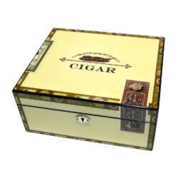 Humidor na doutníky Highgloss White 35D, stolní-Stolní humidor na doutníky s kapacitou cca 35 doutníků. Dodáván s vlhkoměrem a zvlhčovačem. Rozměr: 26x22x12 cm.