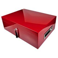 Humidor na doutníky Villa Spa červený 80D, stolní-Stolní humidor na doutníky Villa Spa s kapacitou cca 80 doutníků. Precizně zpracovaný humidor v bordovém odstínu a povrchem v atraktivním vysokém lesku je vybavený plně automatickým zvlhčovačem Cigar Spa. Uzamykatelný humidor vyložený cedrovým dřevem obsahuje 2x šuplík na doutníky a 4x přepážku, kterou je možné variabilně měnit prostor. Na stranách humidoru jsou umístěna kovová madla s efektním broušeným povrchem. Rozměr: 43x32x15 cm.