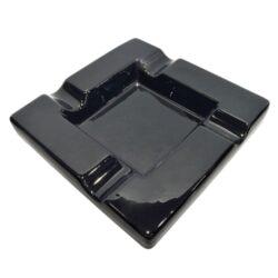 Doutníkový popelník keramický, černý-Doutníkový popelník na 4 doutníky, keramický. Popelník na doutníky má rozměry 19,5x19,5x3,5cm.