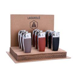 Zapalovač Laguiole Loubouer-Kovový zapalovač Laguiole. Zapalovač je plnitelný. Zapalovač dodáván v dárkové krabičce. Výška zapalovače 7,5cm. Cena je uvedena za 1 ks. Před odesláním objednávky uveďte číslo barevného provedení do poznámky.