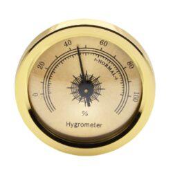 Vlhkoměr zlatý s magnetem, 45mm-Standardní vlhkoměr do humidoru. Pro uchycení do humidoru slouží magnet s oboustrannou lepicí páskou, které jsou součástí balení. Provedení: zlaté. Vnější průměr: 45 mm Vnitřní průměr: 37 mm