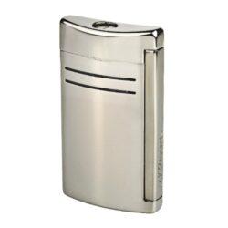 Zapalovač S.T. DuPont Maxijet, gunmetal-Kvalitní tryskový zapalovač S.T. DuPont Maxijet známé francouzské značky. Za preciznost zpracování kovového zapalovače hovoří sama značka S.T. DuPont. Díky silnému plamenu je vhodný nejen k zapalování cigaret, ale i doutníků. Na boční straně je umístěné okénko, kde je možné vidět hladinu plynu v zapalovači. Na spodní části zapalovače najdete nastavení intenzity plamene a ventil na plnění plynem. Zapalovač je dodáván v dárkové bílé krabičce s logem. Výška: 6,5cm.