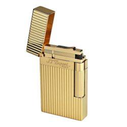Zapalovač S.T. Dupont Ligne 2, plate stripes, zlatý-Luxusní plynový zapalovač S.T. Dupont Ligne 2 známé francouzské značky ve zlatém provedení. Zapalovač z elegantní řady Ligne 2, pro kterou je typický a lehce identifikovatelný ping zvuk při otevření zapalovače. Dokonale zpracovaný kovový kamínkový zapalovač Dupont skvěle kombinuje funkci a elegantní vzhled. Na boku najdeme škrtací mechanismus. Ve spodní části najdeme plnící ventil plynu a ovládání intenzity plamene. Kamínek se mění v horní části zapalovače. Zapalovač je dodáván v dárkové krabičce vyložené jemným sametem. Výška 6cm. Vyrobeno ve Francii. Zapalovače S.T. Dupont nejsou při dodání naplněné plynem.