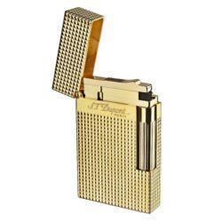 Zapalovač S.T. Dupont Ligne 2 plate care, zlatý-Luxusní plynový zapalovač S.T. Dupont Ligne 2 známé francouzské značky. Zapalovač z elegantní řady Ligne 2, pro kterou je typický a lehce identifikovatelný ping zvuk při otevření zapalovače. Dokonale zpracovaný kovový kamínkový zapalovač Dupont skvěle kombinuje funkci a elegantní vzhled. Na boku najdeme škrtací mechanismus. Ve spodní části najdeme plnící ventil plynu a ovládání intenzity plamene. Kamínek se mění v horní části zapalovače. Zapalovač je dodáván v dárkové krabičce vyložené jemným sametem. Výška 6cm. Vyrobeno ve Francii. Zapalovače S.T. Dupont nejsou při dodání naplněné plynem.  a target=_blank href=https://youtu.be/sz7OMbKIj2Y3D prezentace produktu/a